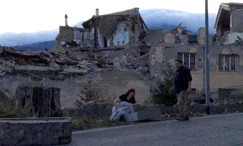 Italy tan hoang sau trận động đất, 21 người thiệt mạng - Ảnh 6