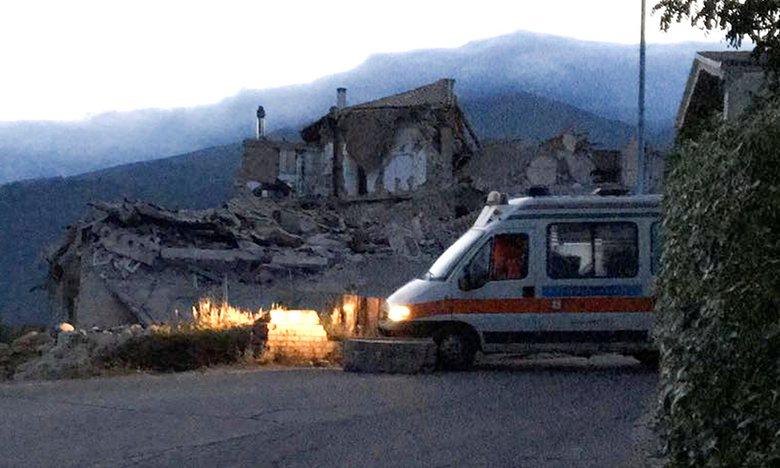 Italy tan hoang sau trận động đất, 21 người thiệt mạng - Ảnh 7