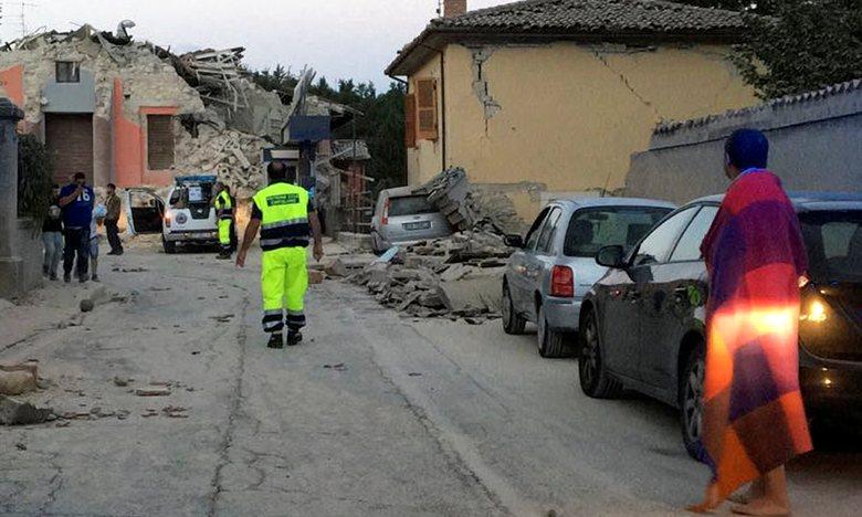 Italy tan hoang sau trận động đất, 21 người thiệt mạng - Ảnh 8