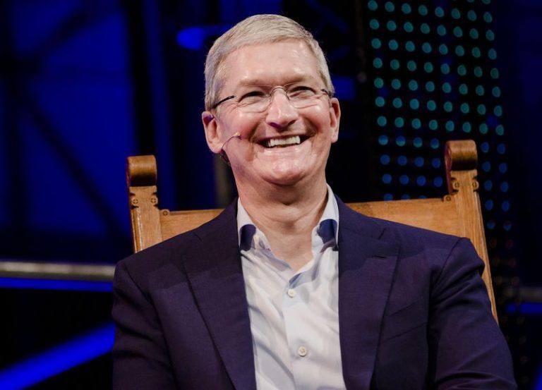 5 năm điều hành Apple, Tim Cook kiếm được bao nhiêu tiền? - Ảnh 1