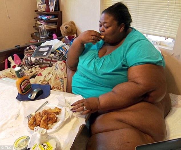 """Người mẹ gần 400kg phẫu thuật giảm cân bất thành vì """"tham ăn, lười vận động"""" - Ảnh 1"""