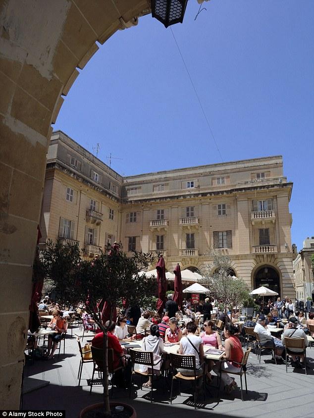 Những bức hình khiến bạn muốn bay tới Malta ngay trong mùa hè này - Ảnh 5