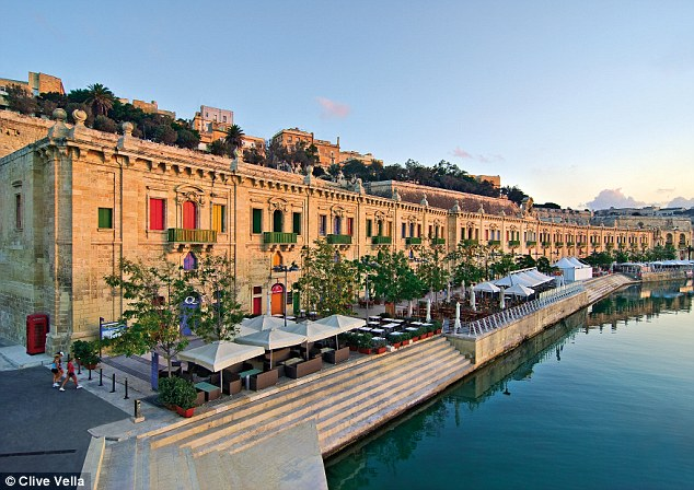 Những bức hình khiến bạn muốn bay tới Malta ngay trong mùa hè này - Ảnh 8