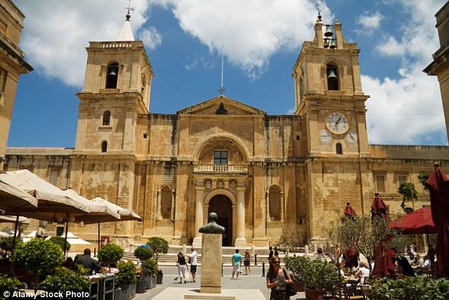 Những bức hình khiến bạn muốn bay tới Malta ngay trong mùa hè này - Ảnh 13