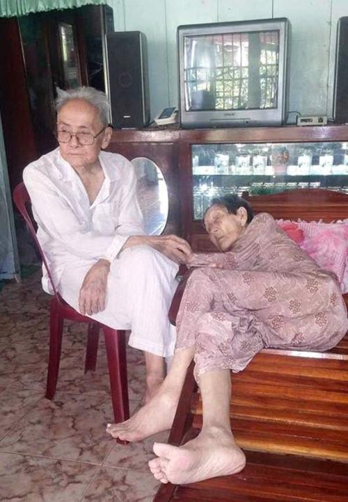 Chuyện tình 70 năm của hai cụ già 90 tuổi khiến cư dân mạng rơi nước mắt - Ảnh 2
