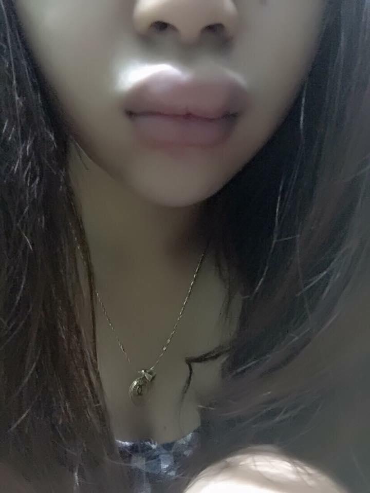 """Đôi môi khốn khổ của cô nàng dùng phải son """"rởm"""" - Ảnh 3"""
