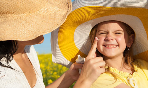 Làm việc liên tục ngoài trời nắng, coi chừng ung thư da - Ảnh 2