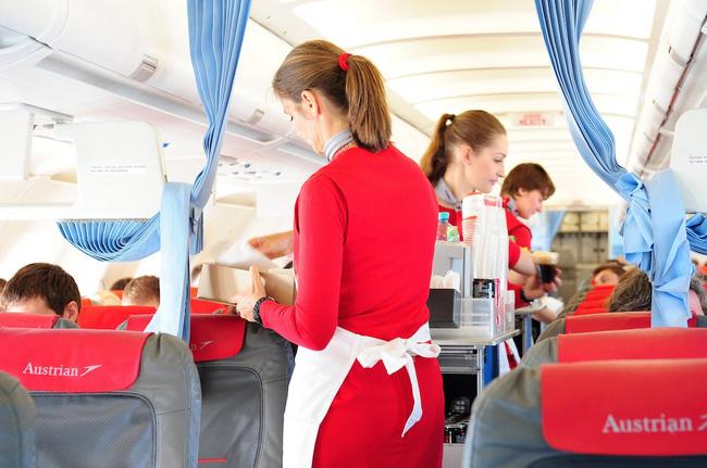 14 điều bạn chưa biết về nghề tiếp viên hàng không - Ảnh 1