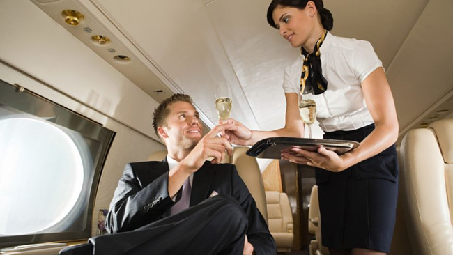 14 điều bạn chưa biết về nghề tiếp viên hàng không - Ảnh 14