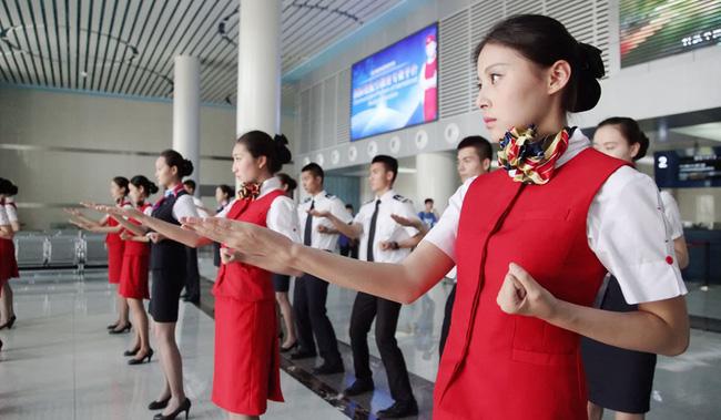 14 điều bạn chưa biết về nghề tiếp viên hàng không - Ảnh 6
