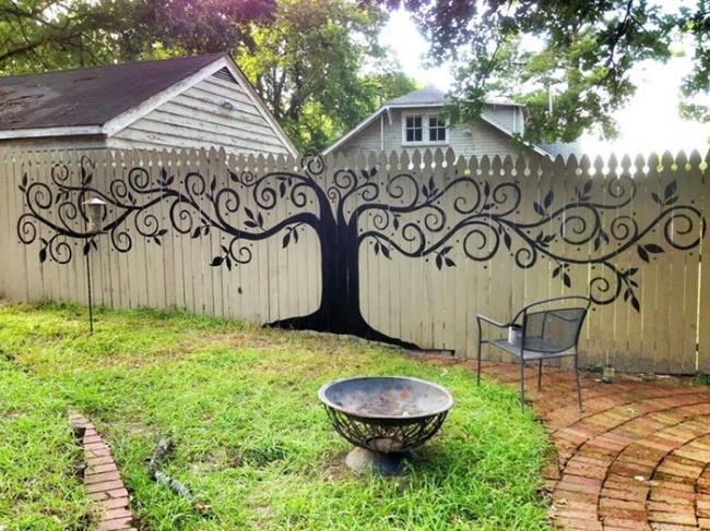 Bạn có muốn hàng rào nhà bạn nổi bật như thế này không? - Ảnh 1