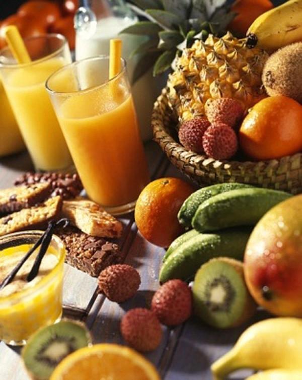 Cha mẹ nên chọn tắm nắng hay uống vitaminD để hỗ trợ sự phát triển của bé - Ảnh 2