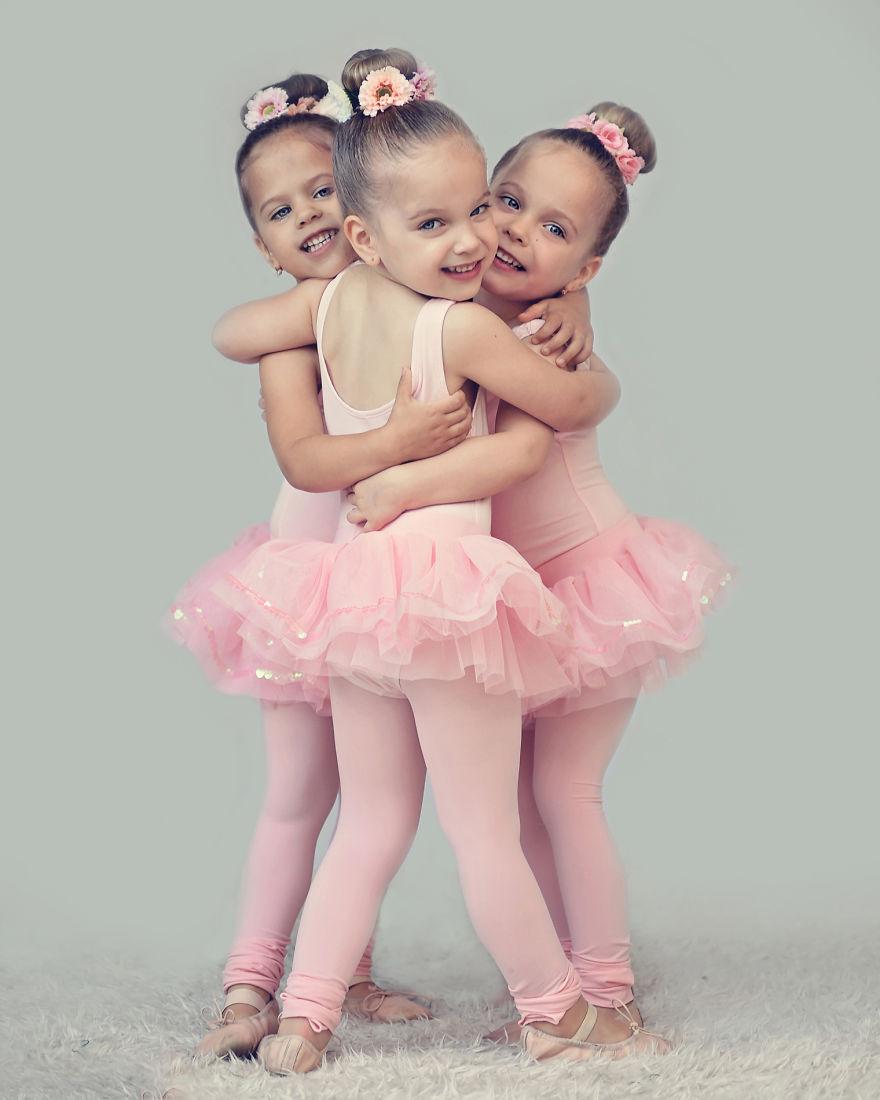 Vẻ đáng yêu của 3 bé gái sinh 3 'hút hồn' dân mạng - Ảnh 7