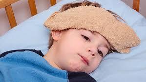 Cách xử lý khi trẻ sốt cao, co giật - Ảnh 2
