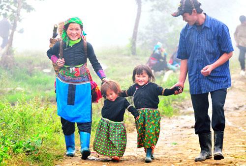 Ngày Gia đình Việt Nam: Những bức ảnh gia đình khiến ai cũng muốn về nhà - Ảnh 4