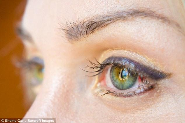Cô gái chi 2,5 tỷ để có đôi mắt xanh dương như công chúa trong phim hoạt hình - Ảnh 3