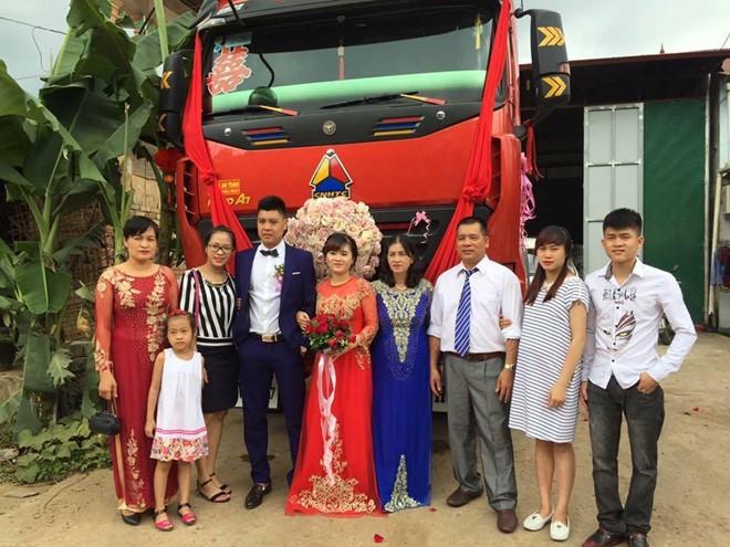 Màn rước dâu bằng xe đầu kéo của cặp 9X Cao Bằng - Ảnh 3