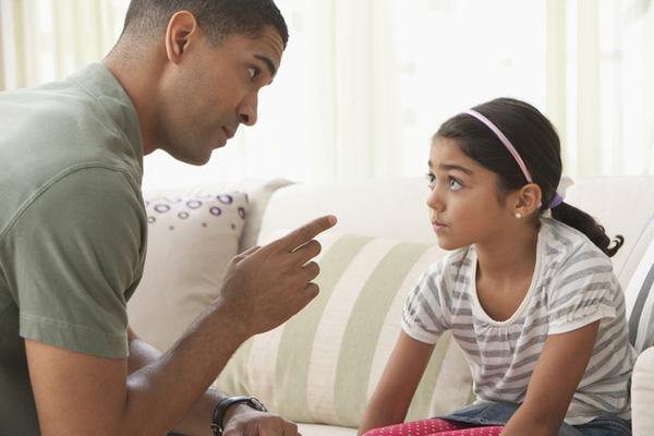 Nguyên tắc bố mẹ cần nhớ để kỷ luật trẻ hiệu quả mà không cần đòn roi - Ảnh 1