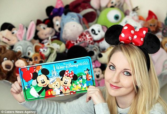 """Chỉ vì """"cuồng"""" Disney cô nàng xinh đẹp phải 'ôm' khoản nợ 650 triệu - Ảnh 3"""