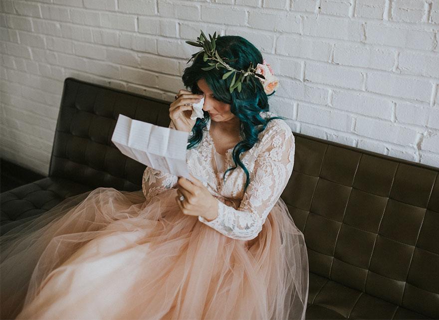 Cô dâu bị liệt quyết tâm tập luyện rồi bất ngờ đi lại trong đám cưới - Ảnh 3