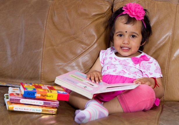 """Bất ngờ cô bé 2 tuổi """"đọc vanh vách"""" tên thủ đô của 196 quốc gia - Ảnh 3"""