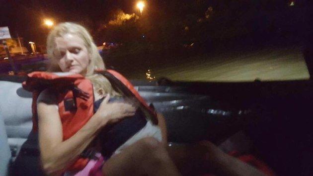 Kỳ diệu bé 23 tháng tuổi sống sót sau tai nạn lật thuyền - Ảnh 1