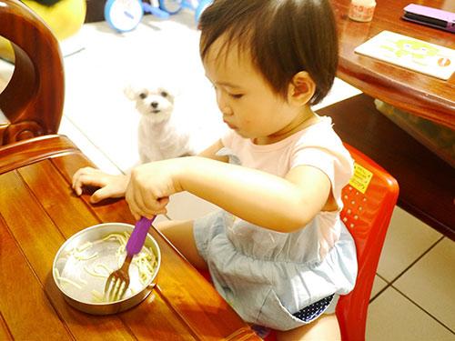 6 lý do trẻ thuận tay trái là những em bé có cuộc sống sung sướng sau này - Ảnh 3