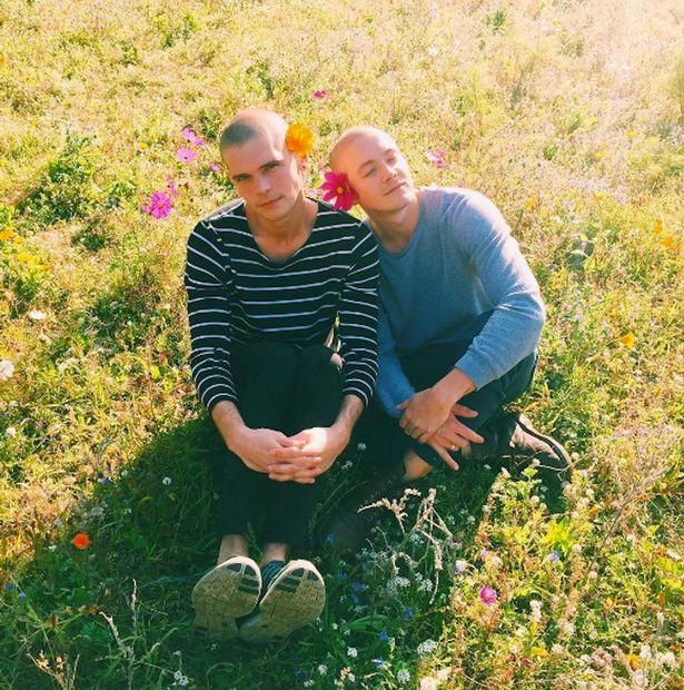 Em gái mang thai hộ anh trai và người tình đồng tính - Ảnh 2
