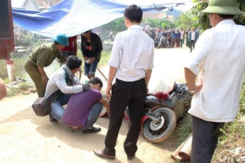 Tiếc thương nữ sinh tử nạn trong chuyến từ thiện ở vùng lũ - Ảnh 1