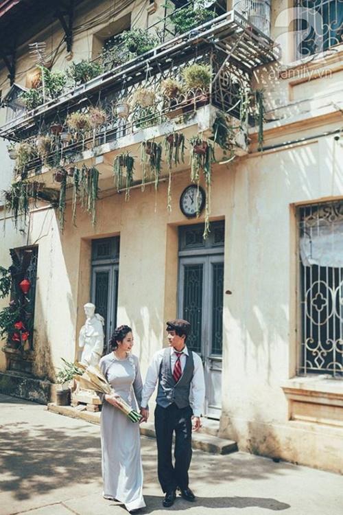 Yêu nhau lê la phố xá nên cưới cũng phải chất Hà Nội cổ kính và ngọt ngào - Ảnh 16