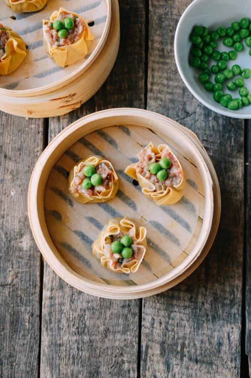 Cách làm xíu mại tôm thịt hấp đúng vị của Trung Hoa - Ảnh 7