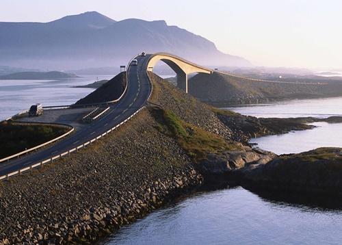 15 cây cầu điên rồ và đáng sợ nhất thế giới – Phần 1 - Ảnh 2