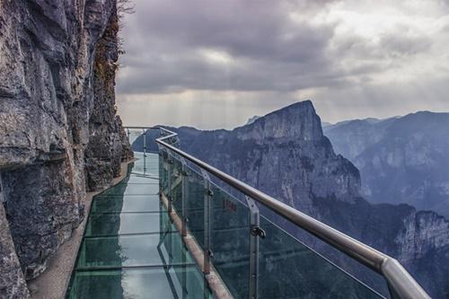 15 cây cầu điên rồ và đáng sợ nhất thế giới – Phần 1 - Ảnh 3
