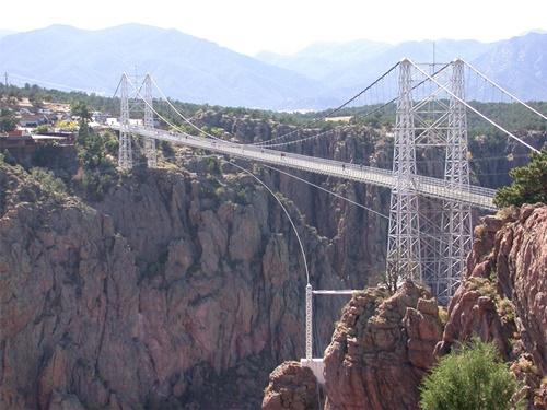 15 cây cầu điên rồ và đáng sợ nhất thế giới – Phần 1 - Ảnh 6