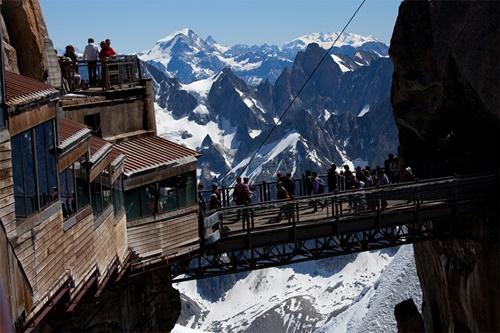 15 cây cầu điên rồ và đáng sợ nhất thế giới – Phần 2 - Ảnh 8