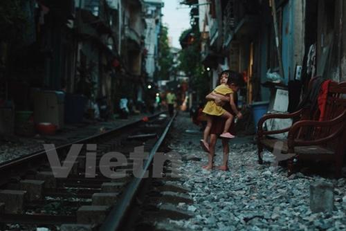 Những 'mảnh' tuổi thơ trên phố đường tàu Lê Duẩn - Ảnh 1