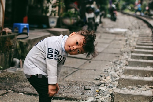 Những 'mảnh' tuổi thơ trên phố đường tàu Lê Duẩn - Ảnh 7