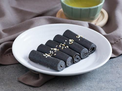 Bánh cuộn vừng đen – vừa ngon vừa dễ làm - Ảnh 9