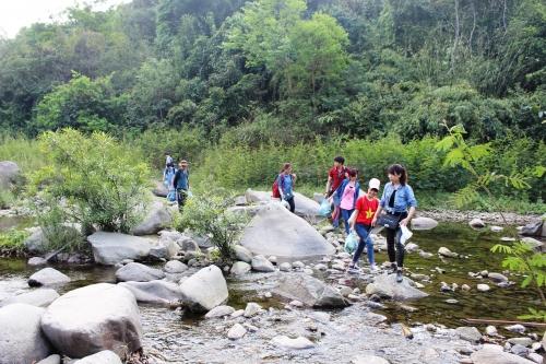Học cách 'sinh tồn' ở hòn đảo 'ba không' cách trung tâm Hà Nội hơn 50km - Ảnh 1