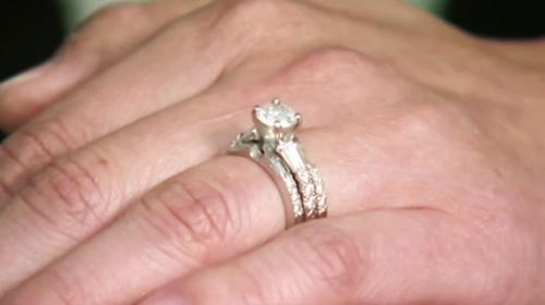 Chiếc nhẫn kim cương trị giá 9.000 đô la và câu chuyện về món quà nặc danh - Ảnh 3