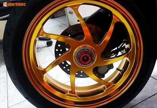 """Siêu môtô tiền tỷ Ducati 1198S """"độ hết bài"""" tại Việt Nam - Ảnh 11"""