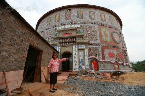 Ngắm cung điện gốm sứ có 1 - 0 - 2 trị giá 20 tỷ của bà cụ 86 tuổi - Ảnh 4