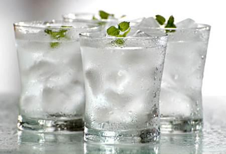 Vẫn uống nước lạnh thì không giảm cân được - Ảnh 2