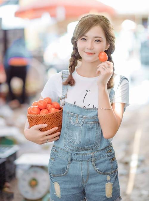 9X 'dân tộc' đẹp mướt mọng như cà chua chín đỏ - Ảnh 2