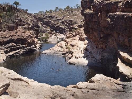 Chiêm ngưỡng 14 hồ bơi tự nhiên đẹp nhất thế giới - Ảnh 2