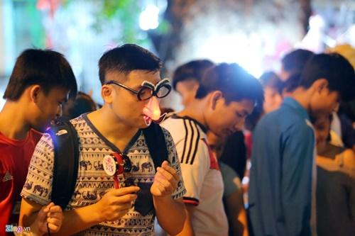 Giới trẻ đánh mất bản sắc Trung thu Việt trên đường phố - Ảnh 12