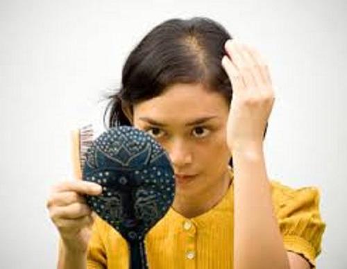 Cách nhận biết và khắc phục hiện tượng rụng tóc theo mùa - Ảnh 2