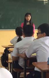 Dân mạng sốt sình sịch với nhan sắc xinh như mộng của cô giáo cấp 3 - Ảnh 2