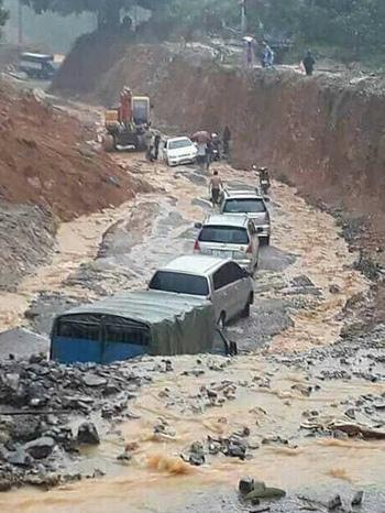 Lũ lụt nghiêm trọng ở miền núi phía Bắc: 15 người chết, 13 người mất tích - Ảnh 2