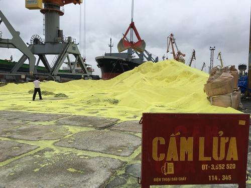Hơn 3 vạn tấn lưu huỳnh tại cảng Hải Phòng không gây ô nhiễm: Sự thật hay dối trá? - Ảnh 3
